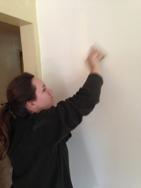 Mudding holes in the wall tutorial {Love My DIY Home}