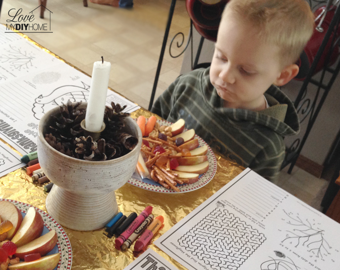 Thanksgiving Kid's Table {Love My DIY Home}