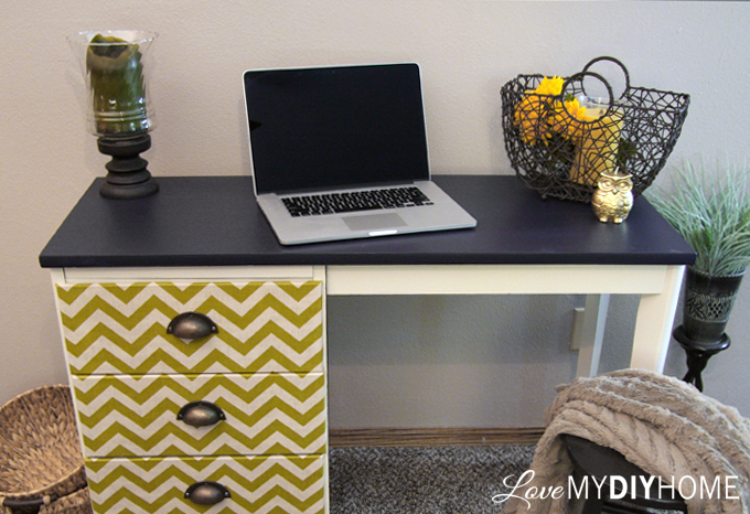 Desk Flip {Love My DIY Home} #fabflippers